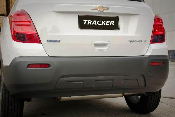 parachoque tracker lt 2016